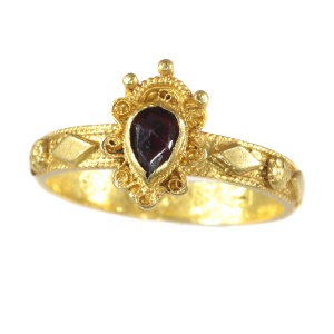Late Baroque gold garnet ring hallmarked Amsterdam 1692