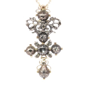 High quality Baroque diamond cross