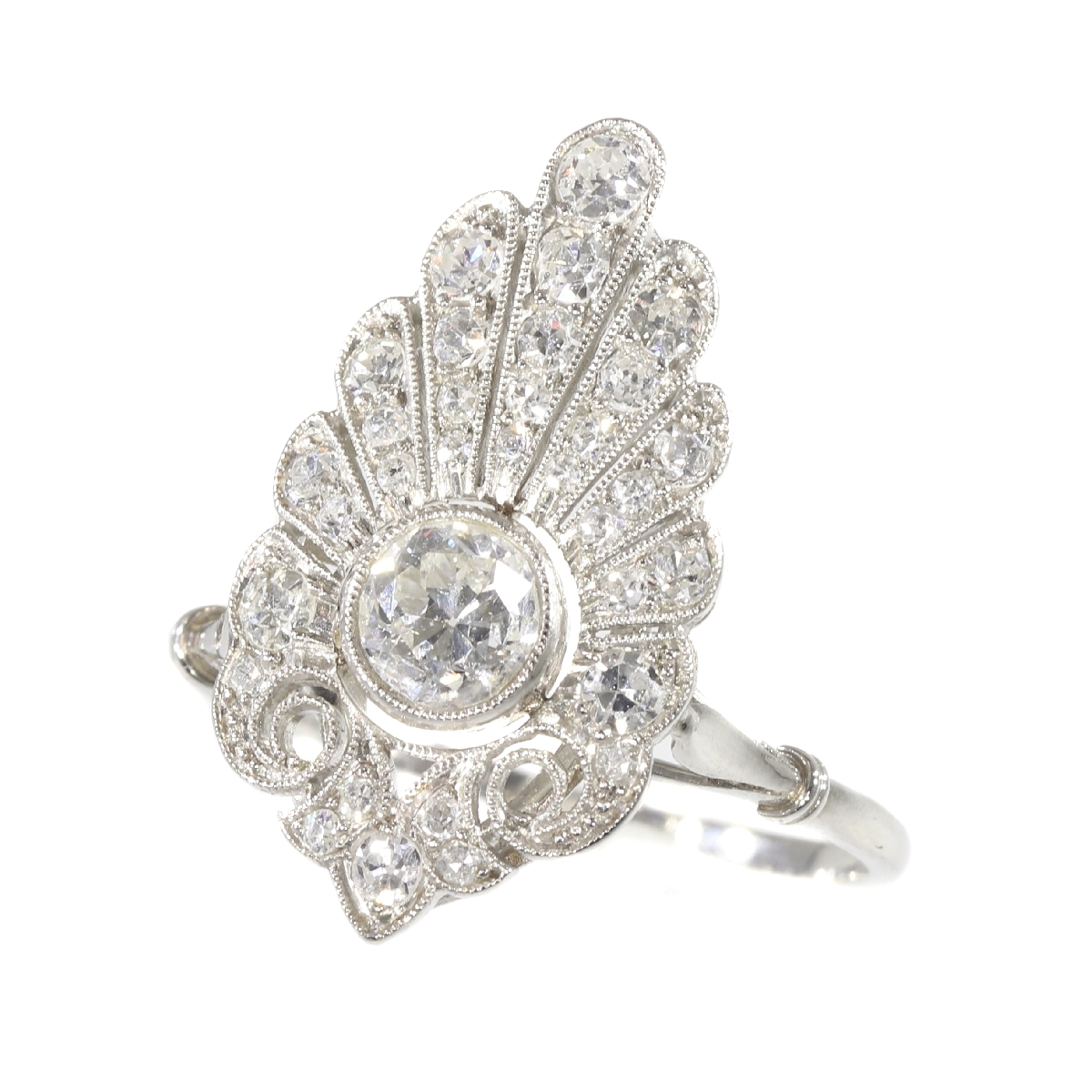French elegant Belle Epoque diamond engagement ring platinum