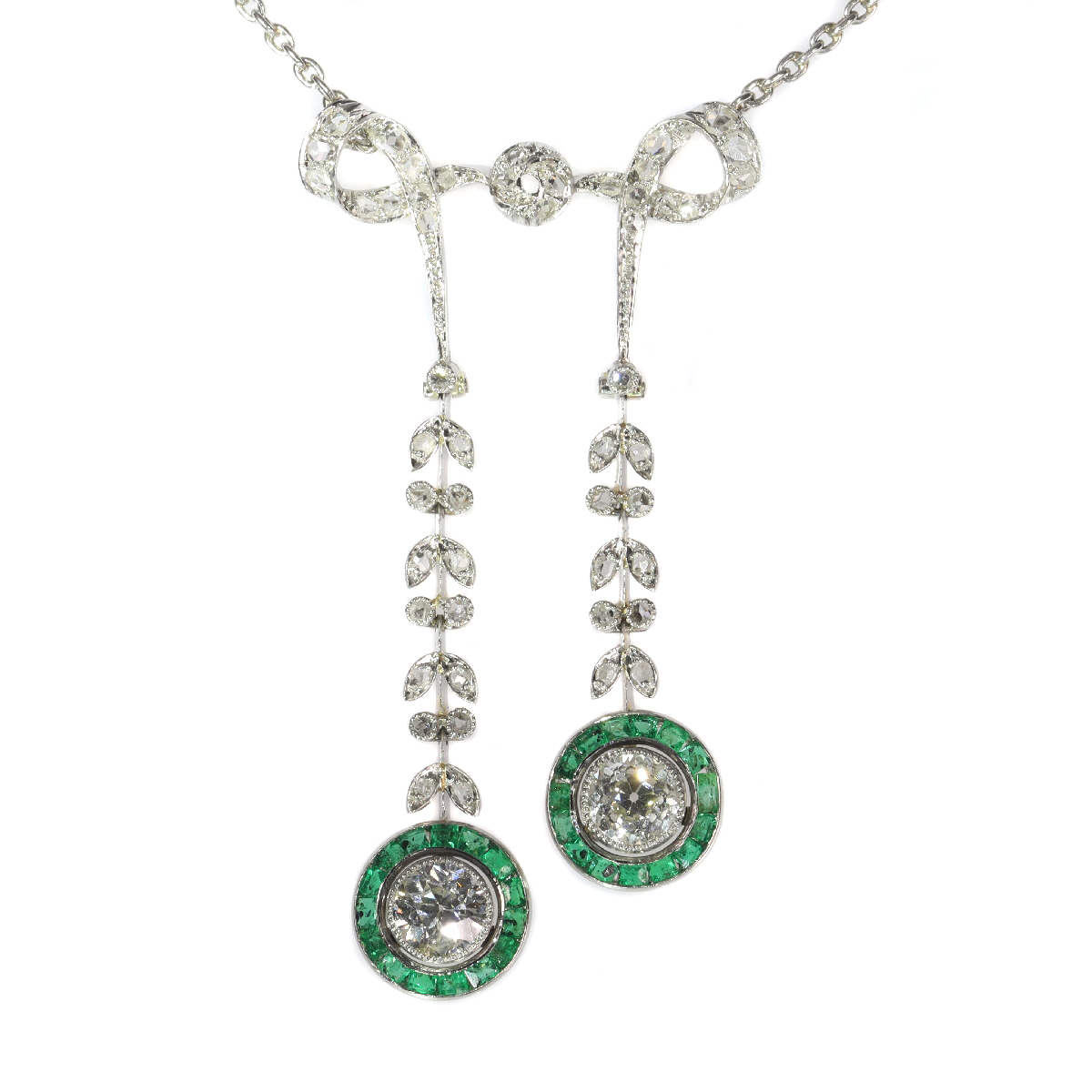 Elegant Belle Epoque diamond and emerald necklace
