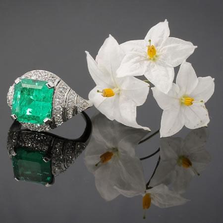 Anneau de diamant d art déco avec vue spectaculaire 6,28 crt colombien émeraude de Muzo