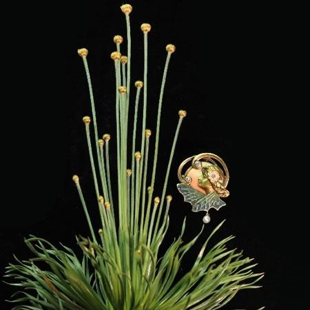 De haute qualité de style Art Nouveau broche pendentif avec le plique un émail de jour