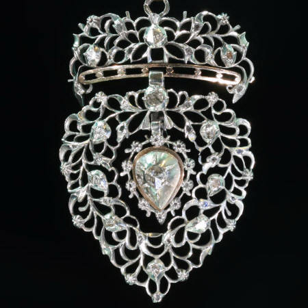 Vlaams hart Flemish heart with normal crown