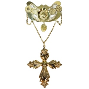 Typical northwestern European (Dutch/Belgian) breast jewel gold filigree pendant