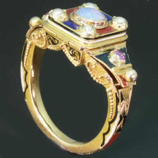 Victorian mysterious triple (!) poison ring with enamel