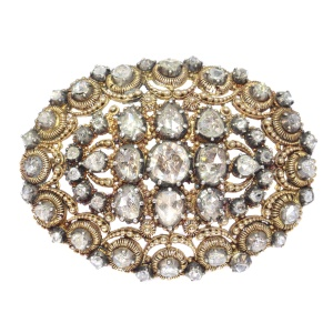 Antique Dutch brooch in unusual design with filigree and rose cut diamonds