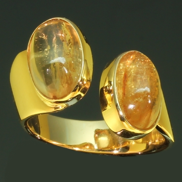 Artist Jewelry by Chris Steenbergen gold ring with royal noble topaz