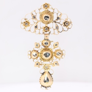 19th Century filigree gold cross rose cut diamonds pendant called a la Jeanette