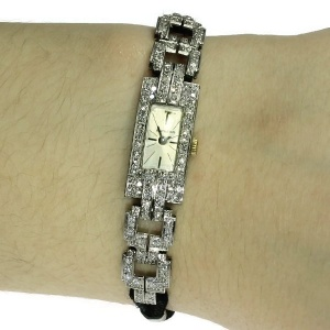 Platinum Art Deco ladies wrist watch set with diamonds