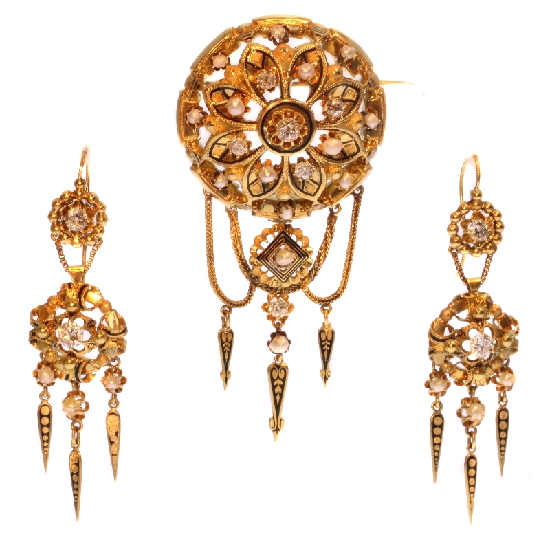 Victoran gold and diamond brooch and earrings matching set parure