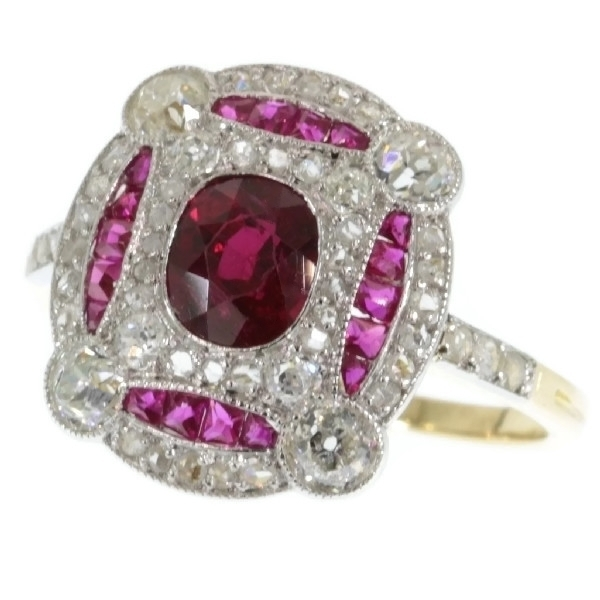Superb platinum and gold Art deco ring with diamonds and rubies