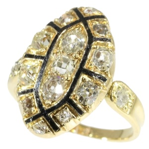 Mid 18th Century antique Baroque/Rococo ring with old mine cut diamonds