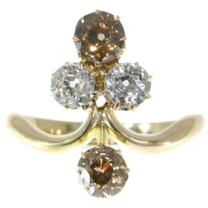 "Remarkable Victorian diamond engagement ring with ""Aigrette"" design"