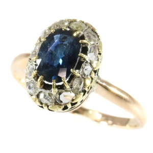Antique Victorian engagement ring with sapphire and diamonds - anno 1880