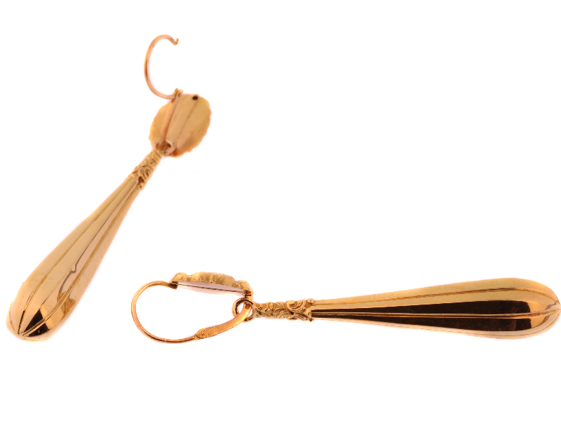 Long pendant hanging gold French earrings
