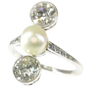 Platinum Art Deco engagement ring natural pearl and big old mine cut brilliants