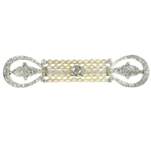 Elegant platinum diamonds and pearls Art Deco Belle Epoque brooch