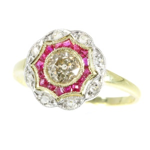 Beautiful bicolour gold Art Deco diamond and ruby ring (ca. 1920)