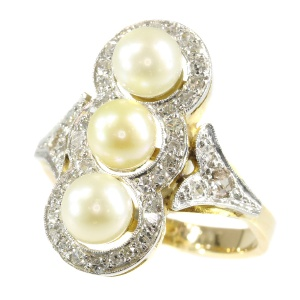Vintage diamond and pearl ring from the Fifties