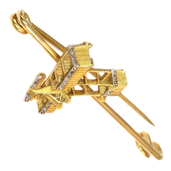 Unique gold diamond aviation brooch commemorating Belgium&#39s first manned motorized flight