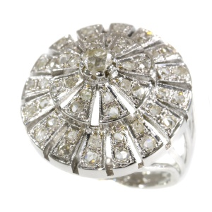 Vintage Fifties ring as a radiant diamond wheel