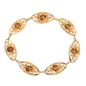 Bracelet Late Victorian pink gold with rose motives