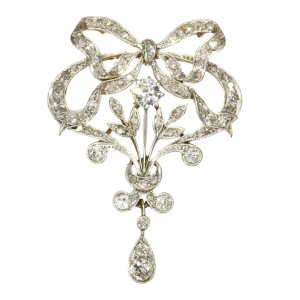 Belle Epoque brooch and pendant in guirland style with 72 diamonds