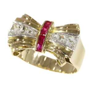 Vintage Retro bow ring with rubies and rose cut diamonds