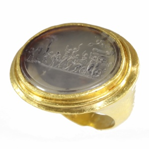 "Gold 18th Century erotic intaglio ring ""The triumph of Priapus"""