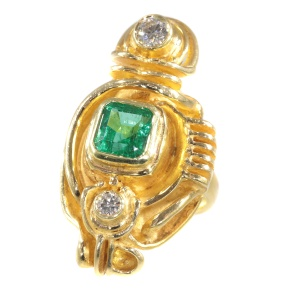 Artist jewellery gold ring by Demaret with diamonds and emerald