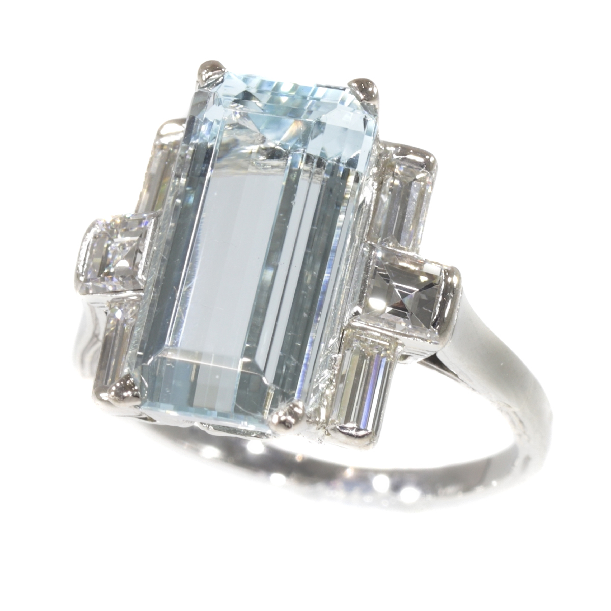 Vintage Fifties design white gold ring with aquamarine and diamonds