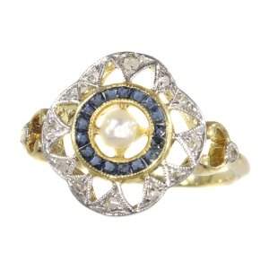 Art Deco - Belle Epoque ring with diamonds sapphires and a pearl